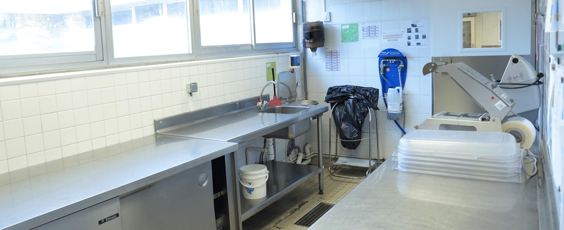 ESAT La Mare Savin espace cuisine