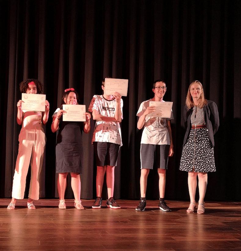 Des jeunes de l'EMPro félicités par la rectrice de l'académie de Versailles.
