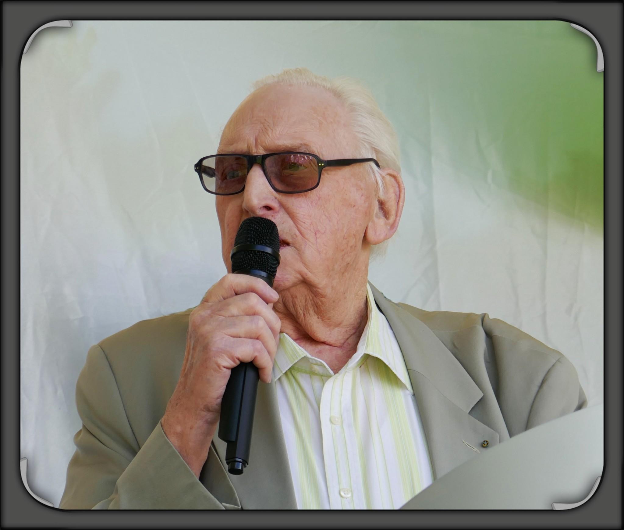 Bernard Hugo photo